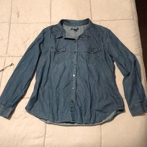 Old Navy lightweight denim top button down large